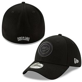Chicago Cubs 2019 Clubhouse Black and White Flex Fit 39 Thirty Fitted Cap